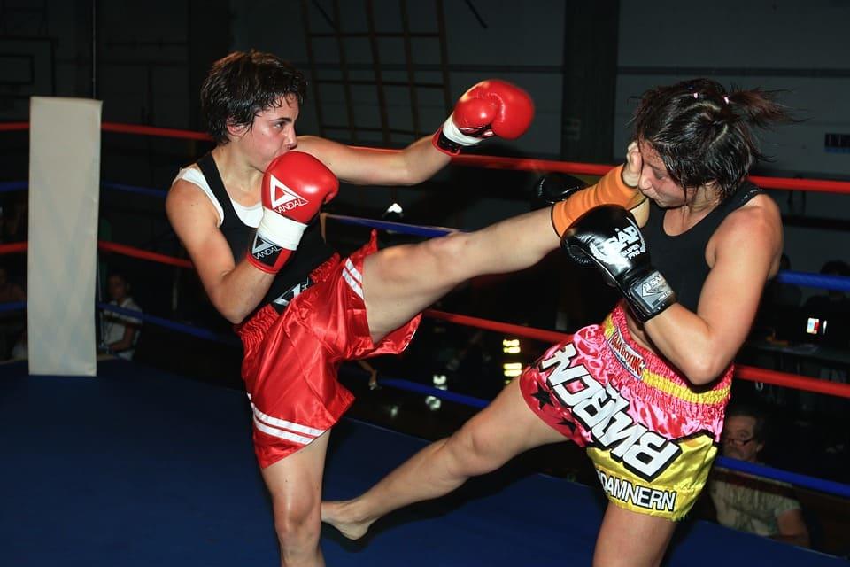 Занятия тайским боксом